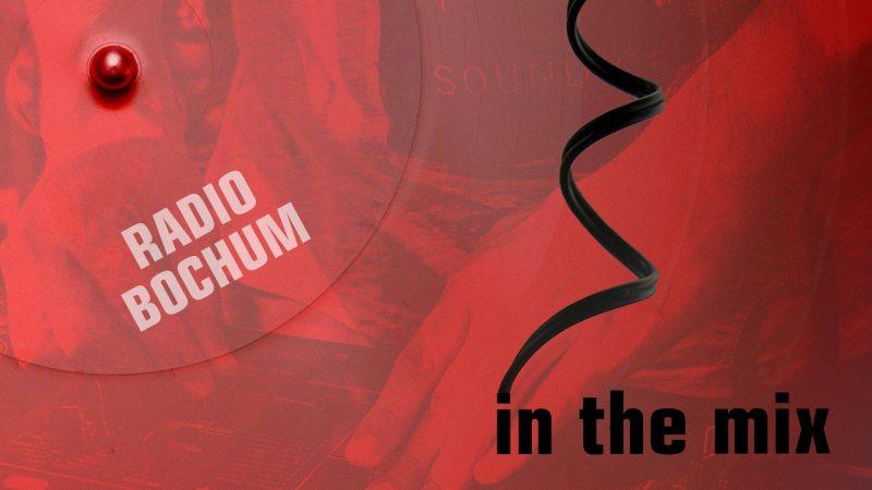 Das Design von Radio Bochum in the mix enthält eine Schallplatte und ein Kopfhörer-Kabel.