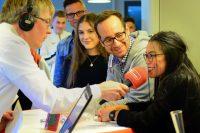 Während der Live-Sendung von Radio Essen wurde abgestimmt, wer der coolste Lehrer der Stadt ist. Foto: Radio Essen